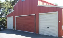 Large American Barn with 3 Roller Doors